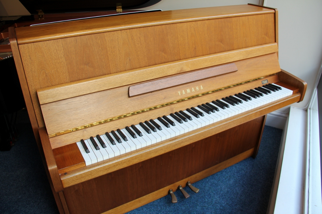 Second hand yamaha p116 upright piano for sale are you for Yamaha piano upright